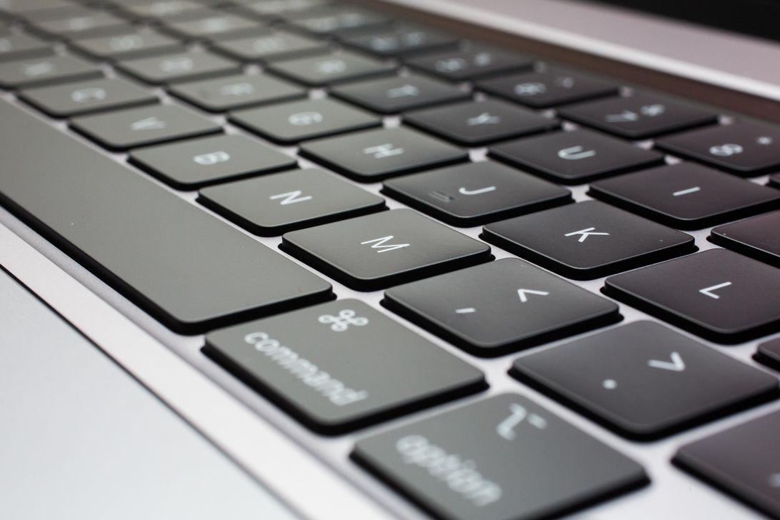 08-macbook-pro-16-inch