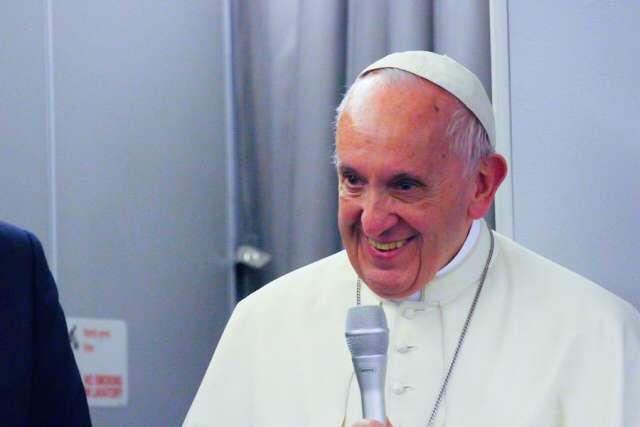 Toàn văn họp báo của Đức Thánh Cha Phanxico trên chuyến bay trở về từ Bangladesh