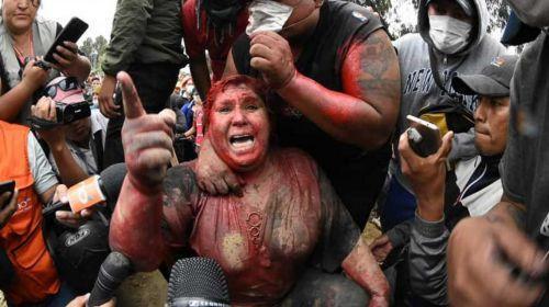 Crisis política en Bolivia: Opositores lincharon a una intendenta  oficialista | HaceInstantes