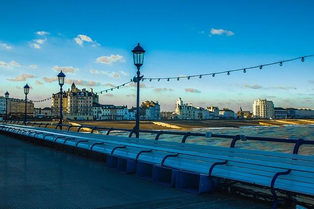 eastbourne-pier-996922_640.jpg
