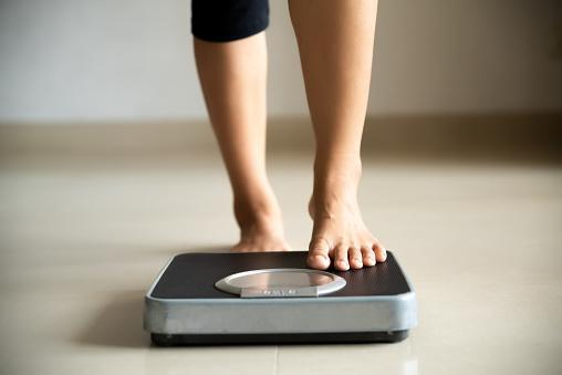 https://media.istockphoto.com/photos/female-leg-stepping-on-weigh-scales-healthy-lifestyle-food-and-sport-picture-id1169486621?b=1&k=6&m=1169486621&s=170667a&w=0&h=WgPmH6UxmN4BO96teUe0uFvjM-czRqJ2awnMHRTkNRI=