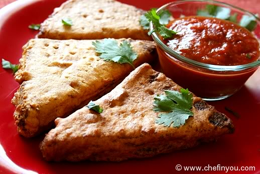 Best Indian Jugaadu Dishes, Jugaadu Dishes, Weird Indian Dishes, Strange Indian Dishes, Achaar Sandwich, Bread Pakoda, Cheese Paratha, Maggi Pakoda