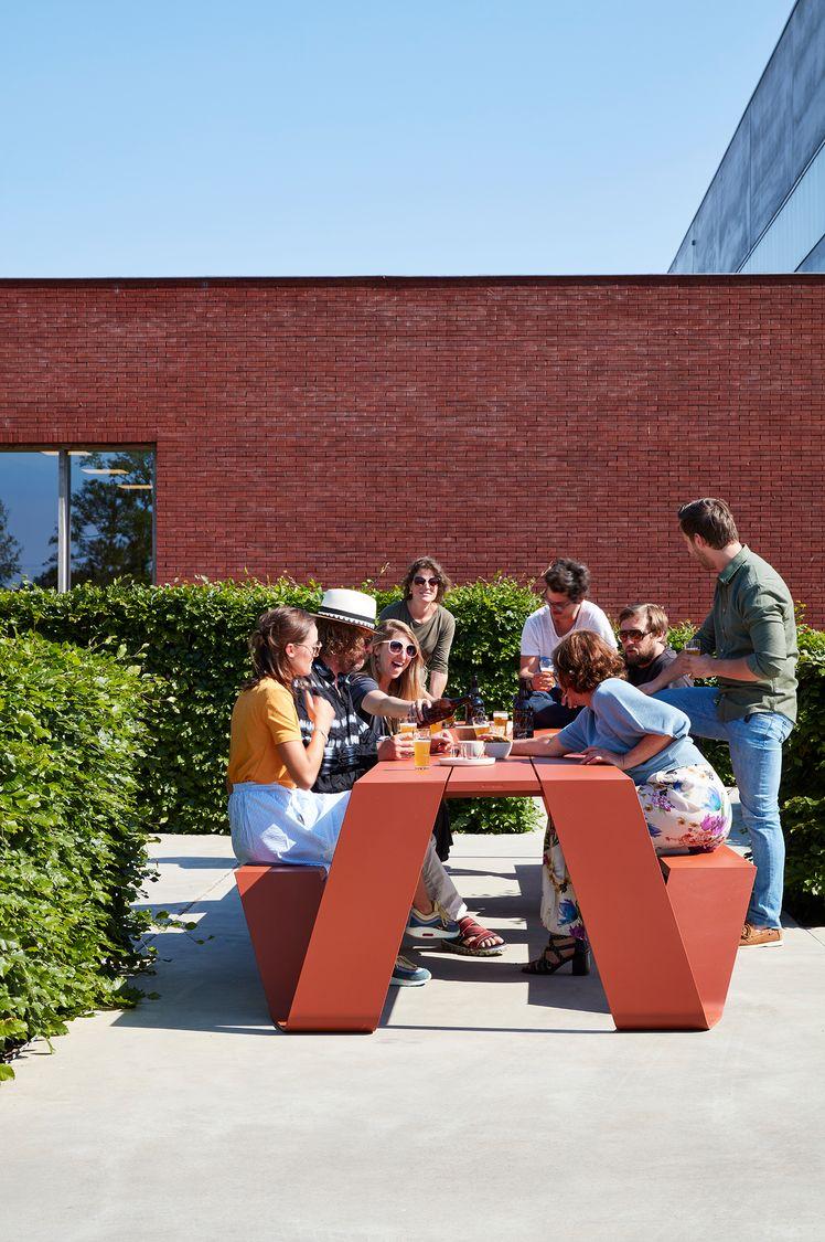 table de pique-nique pour collaborateurs