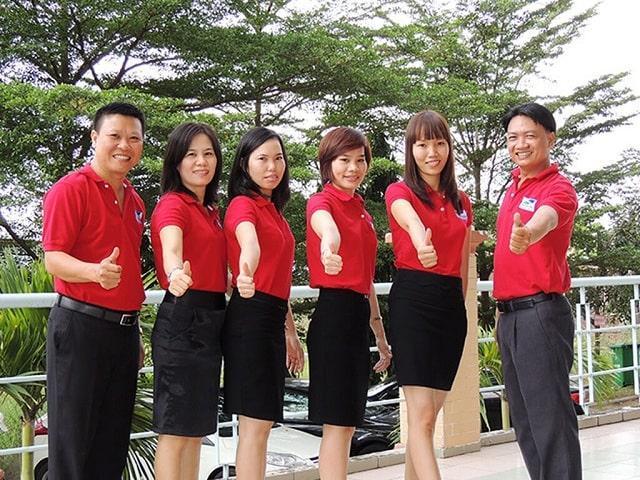 áo đồng phục công ty giá rẻ màu đỏ