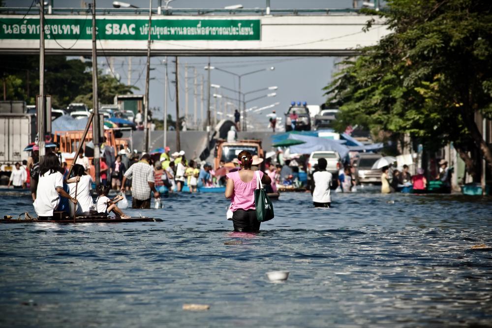 Enchentes estão entre as consequências do fenômeno oceânico-atmosférico. (Fonte: Shutterstock/cowardlionReprodução)
