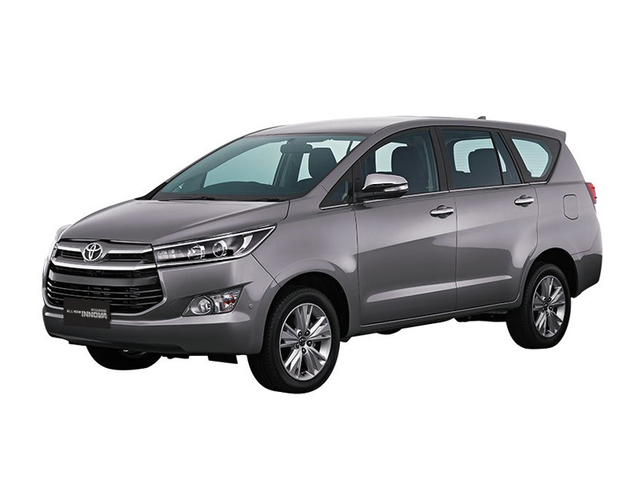 Toyota Innova exterior 2L 1