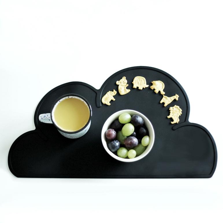 Schwarzweiss nordisches Design skandinavischer Einrichtungsstil für Kindersachen Platzdeckchen Tischunterlage Placemat Wolke.jpg