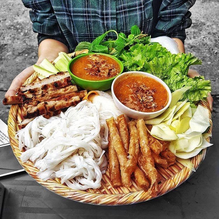 Nem nướng Thanh Hà - quán nem chuẩn vị Nha Trang
