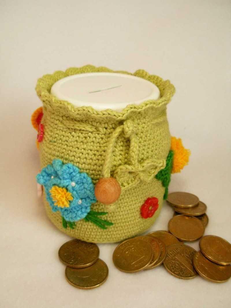 Копилка из банки декорированная вязанием