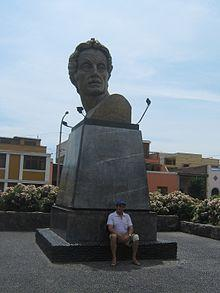 https://upload.wikimedia.org/wikipedia/commons/thumb/8/85/Monumento_Bolivar_pueblo_libre_peru.JPG/220px-Monumento_Bolivar_pueblo_libre_peru.JPG