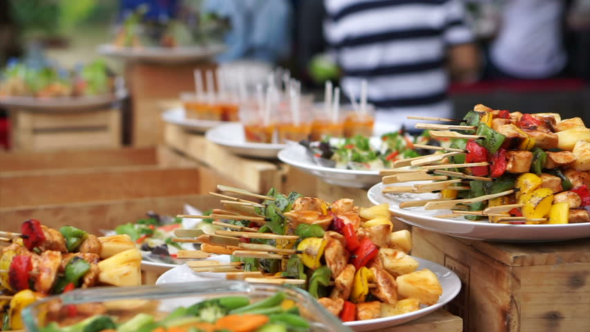 event travel tips food