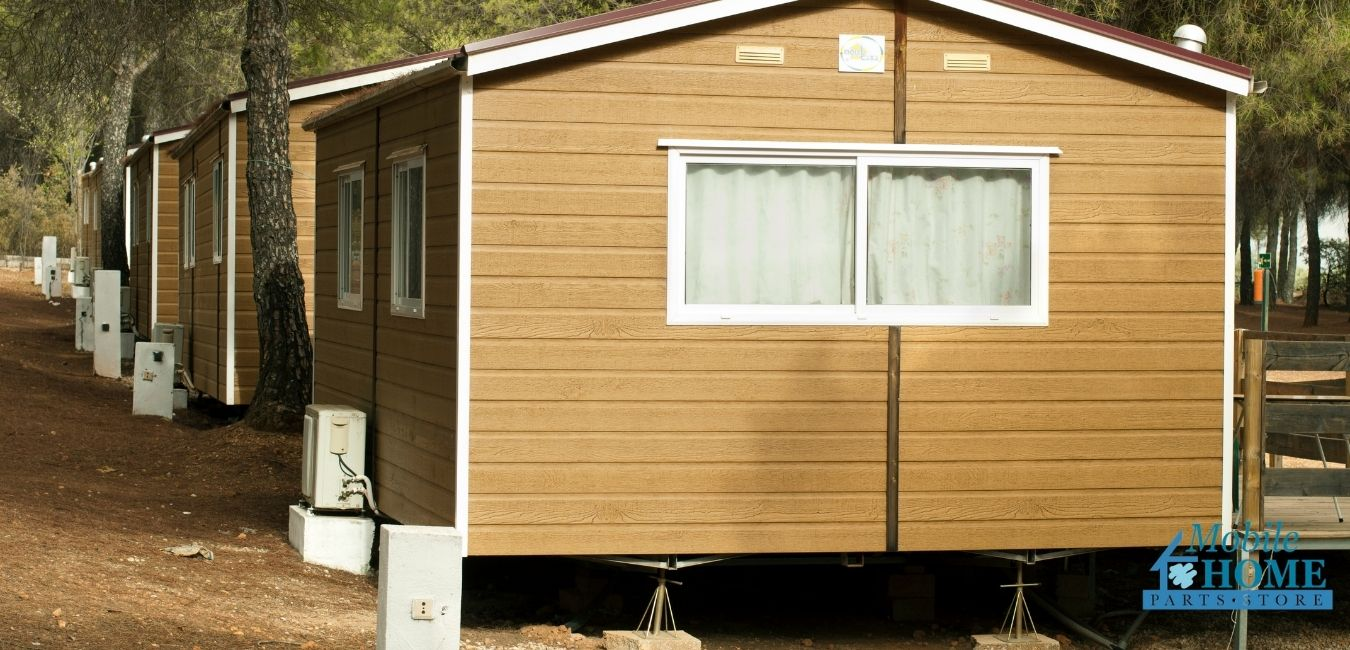 Mobile homes without skirting