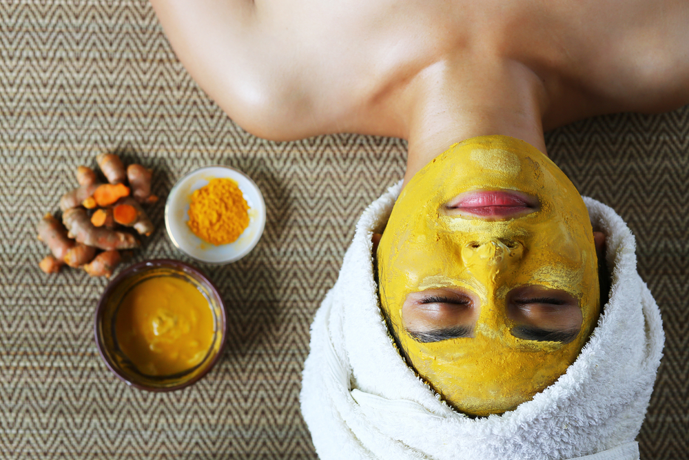Turmeric is a plant which is very well known to everyone around the globe. It is because turmeric is used in both cooking and also for skin care. If you are looking for a natural skin glow complexion, you better try using turmeric mask or scrub.