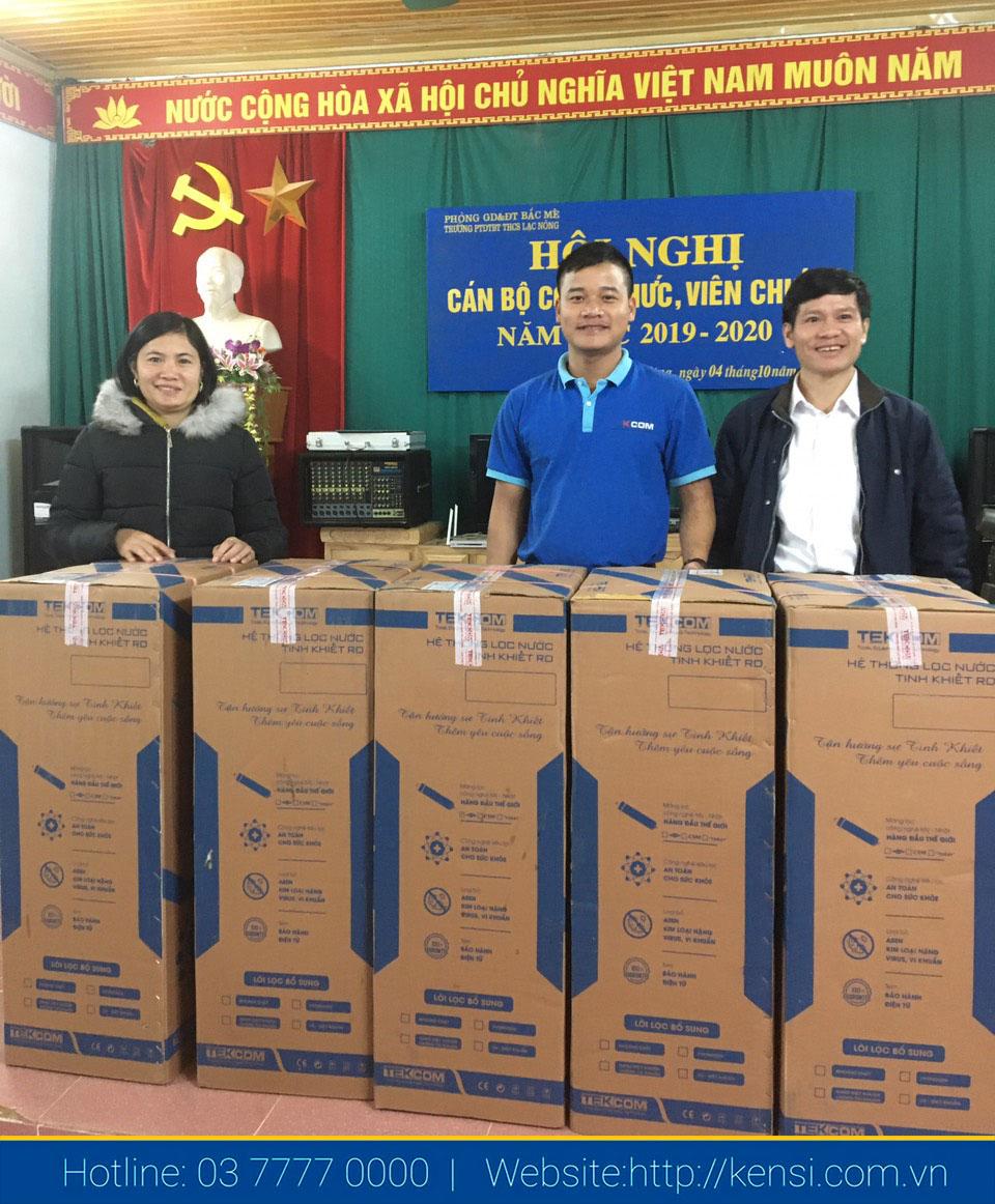 Bàn giao máy lọc nước cho các trường bán trú ở Hà Giang