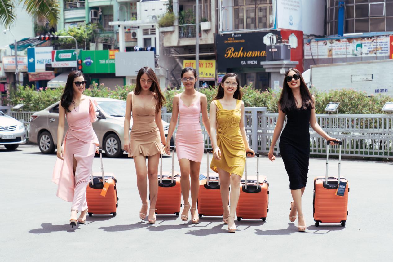 vali-thoi-trang-miavn-dong-hanh-cung-hoa-hau-hoan-vu-viet-nam-2019-2