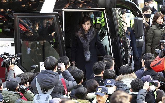 Cận cảnh người yêu cũ xinh đẹp và quyền lực của Chủ tịch Kim Jong Un - Ảnh 10