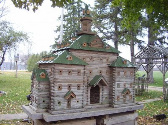 Bird Houses: These 50 Woodworking Projects That Sell Online will help you make some money.