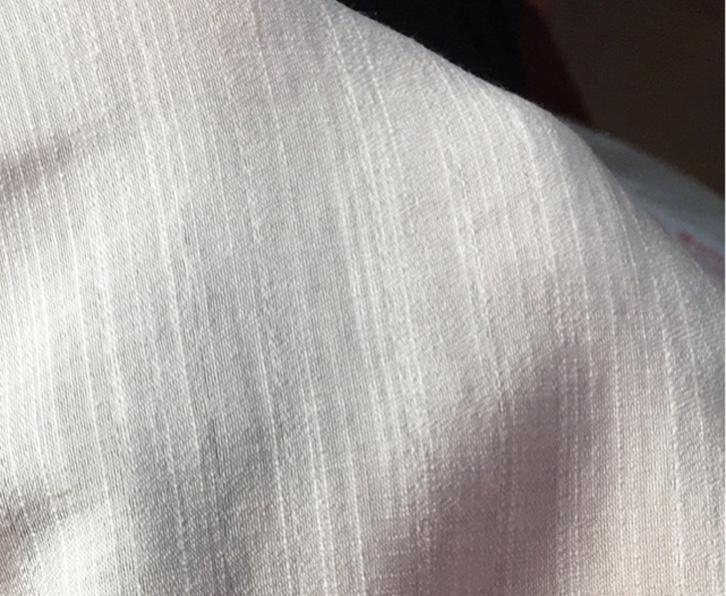 Vải đũi là chất liệu vài có nguồn gốc 100% tự nhiên, thoáng mát, mềm nhẹ