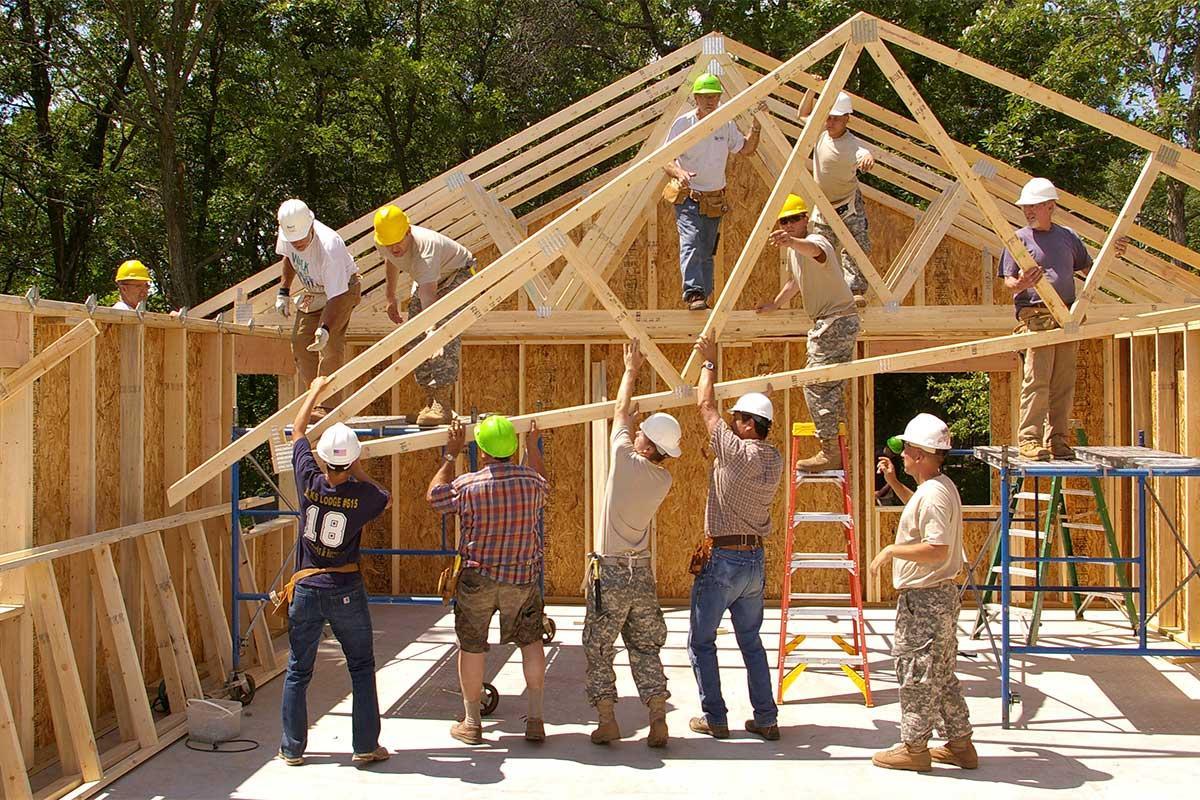 https://images05.military.com/sites/default/files/media/money/va-loans/2017/08/army-habitat-humanity-build-home.jpg