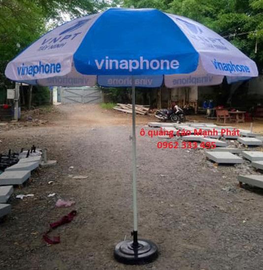 Những chiếc ô vừa để che chắn, vừa để quảng cáo thương hiệu …